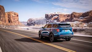 Ford-Explorer-plugin-hybrid-posteriore-autopama-umbria-spoleto-foligno-terni