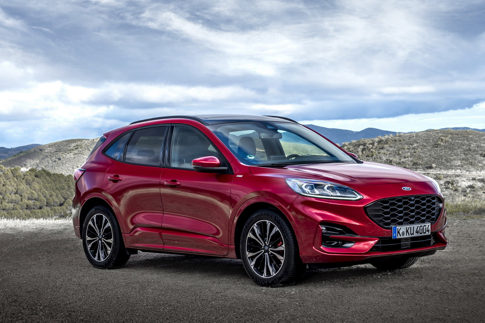 Promozione Ford Kuga Connect Hybrid